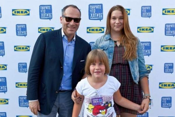 Михаил Щац с дочерьми